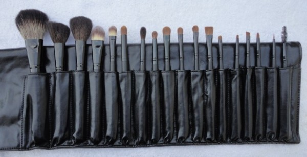 Student brush kit photo example-1
